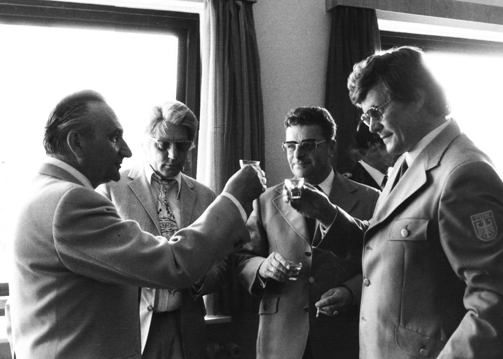 Einweihung der THW-Unterkunft Husum mit Bundesminister Egon Bahr (1967)